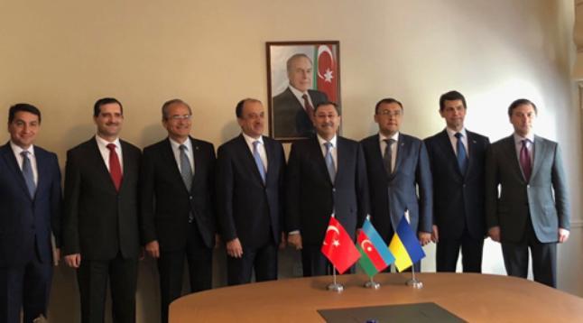 Впервый раз пройдут трехсторонние политические консультации между МИД Азербайджана, Украины иТурции