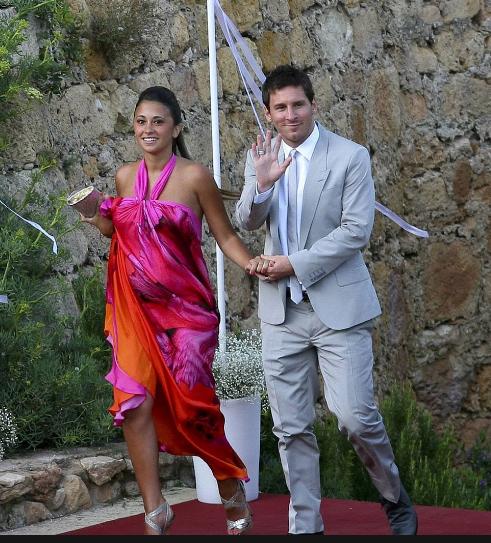Месси отказался лететь вСингапур из-за свадьбы ивызвал скандал