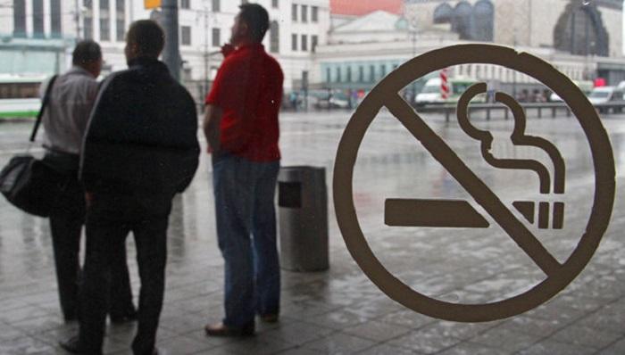 Самолет из столицы вАрмению приземлился вМинводах из-за курильщика наборту