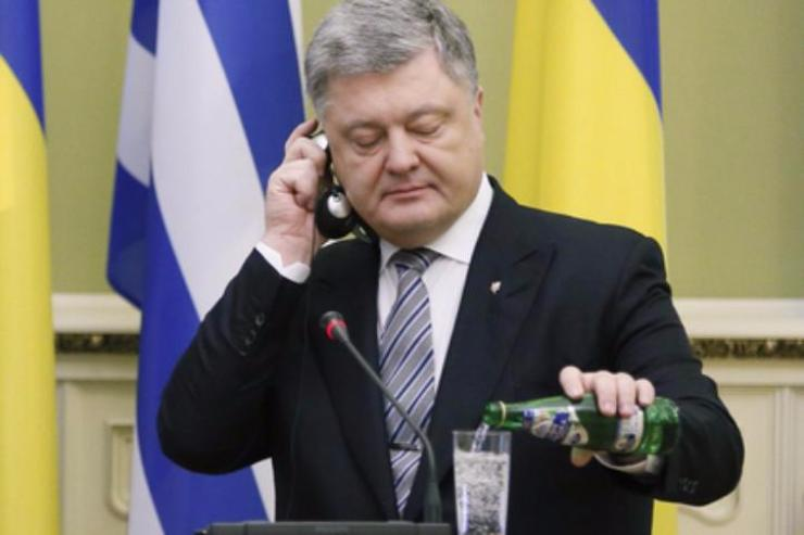 Держат три часа: в государство Украину непускают родственника Саакашвили