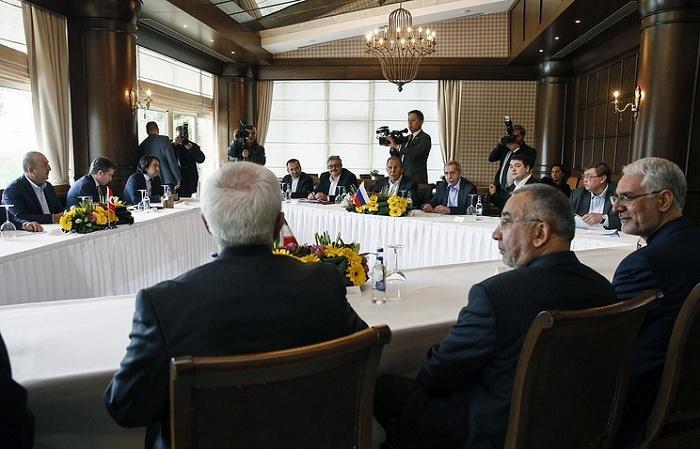 Ушаков неисключил двусторонние встречи глав РФ, Ирана иТурции вСочи