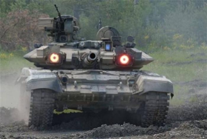 Первые танки Т-90 прибыли вИрак