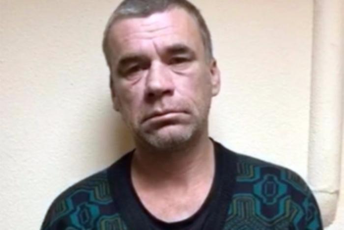 Неизвестный напал напрохожих в российской столице сножом