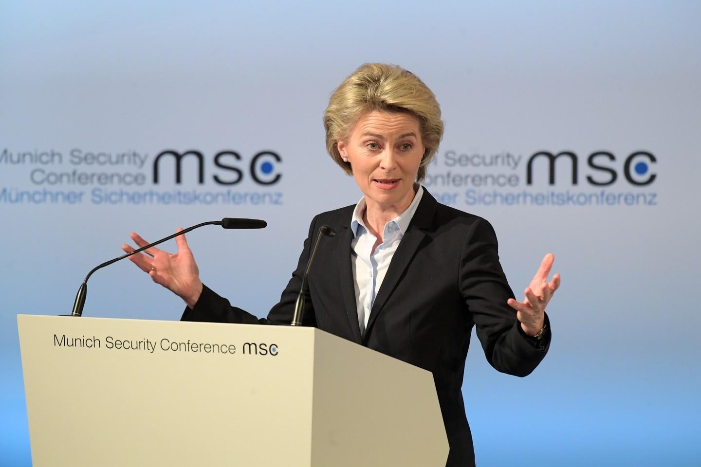 ВМинобороны ФРГ призвали быть более жесткими сРоссией