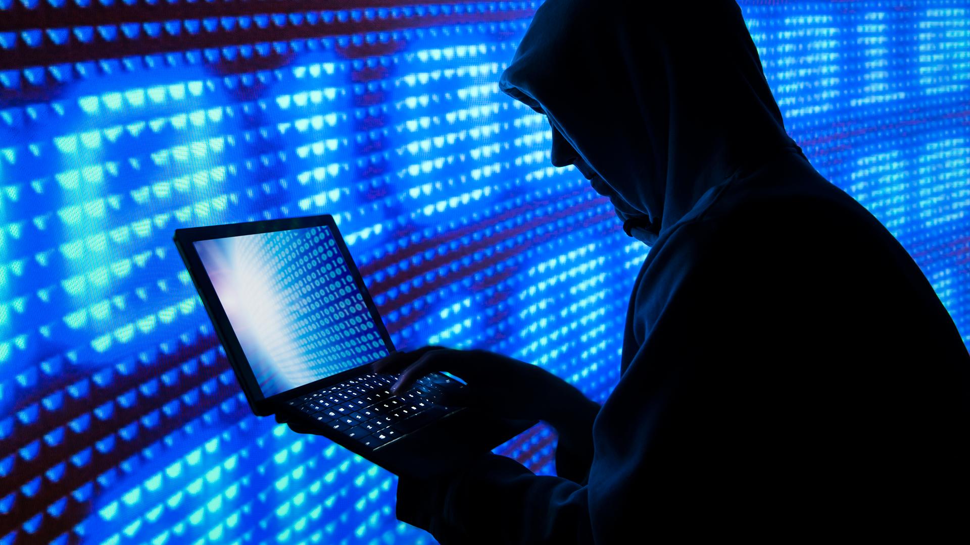 Демпартия США уведомила ФБР опопытке взлома базы данных избирателей