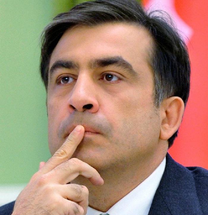 «Клоун приехал»: Вожидании Саакашвили вЗапорожье расклеили афиши