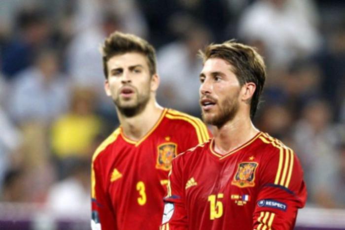 Футболисты Пике иРамос разругались из-за каталонского референдума