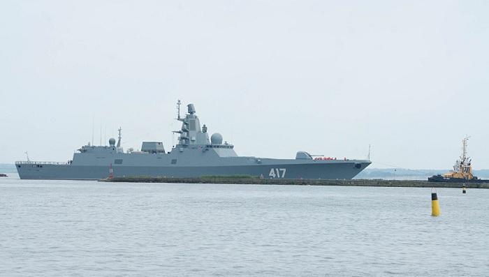 Наборту «Адмирала Горшкова» испытаны новые русские вертолеты