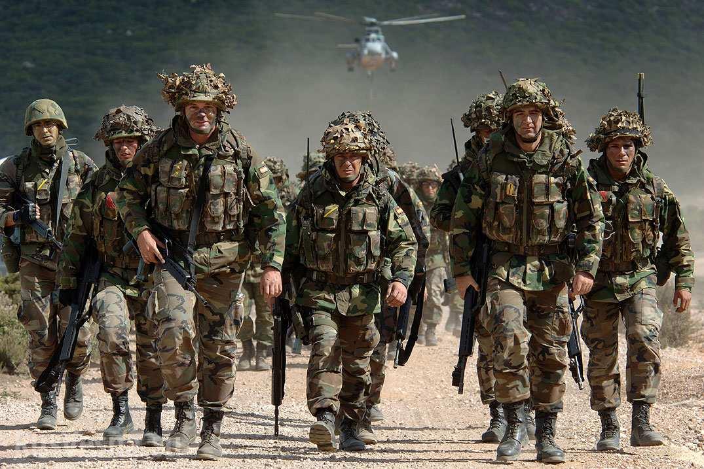 Страны НАТО стягивают тяжелую военную технику кграницам Российской Федерации