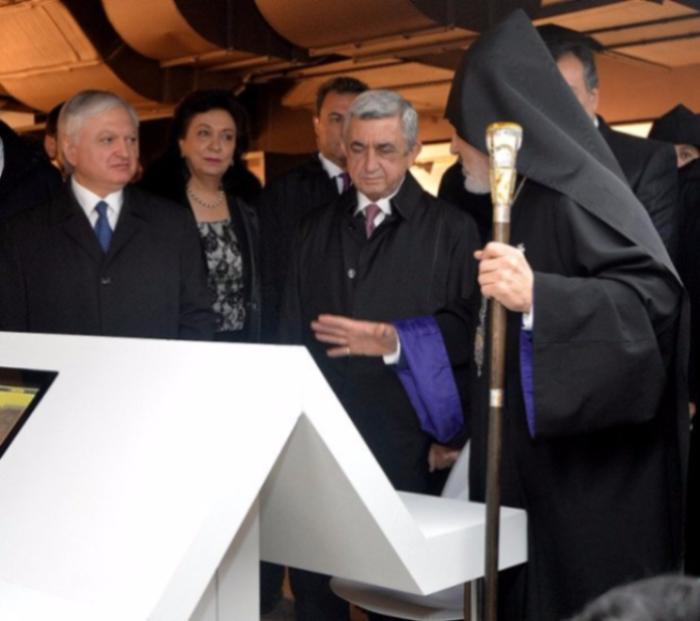 Владимир Путин иСерж Саргсян посетили Третьяковскую галерею
