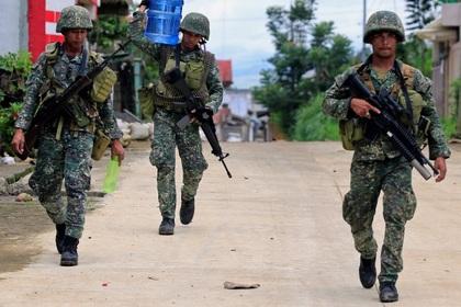 Покрайней мере 10 военных наФилиппинах погибли от«дружественного огня»
