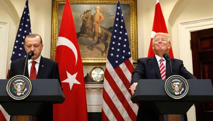 Турция частично возобновит выдачу виз вСША