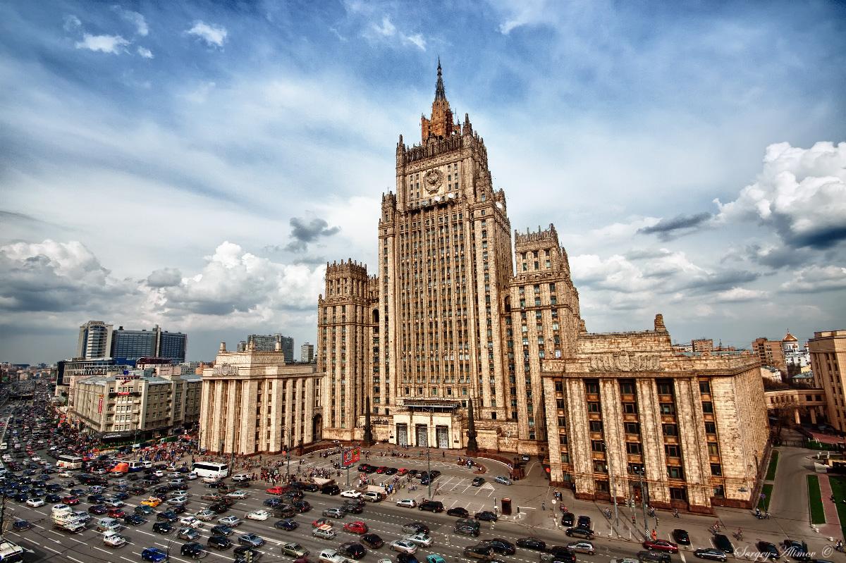 Руководителя  МИД Азербайджана иАрмении могут увидеться  доконца года