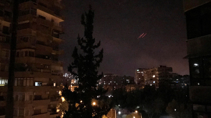 В социальных сетях появилось видео отражения удара коалиции сирийскими ПВО