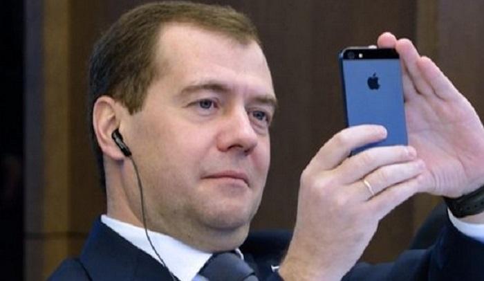Усманов сравнил Навального сШариковым из«Собачьего сердца»