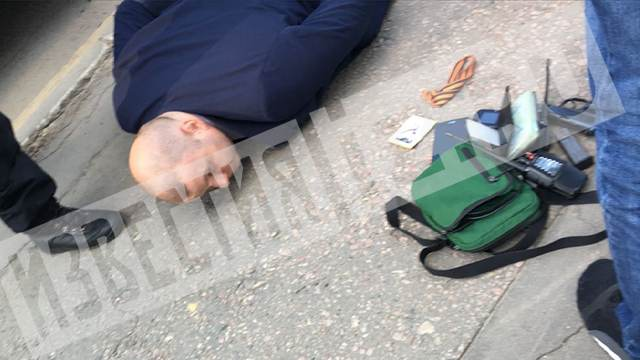 Руки заспину, лицом васфальт: В российской столице схвачен известный банкир Казахстана