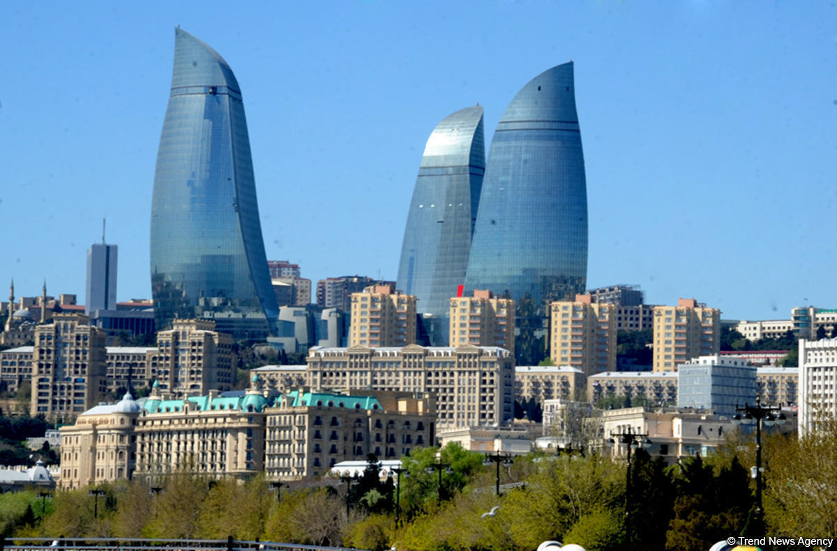 Начался визит руководителя МИД Турции вАзербайджан