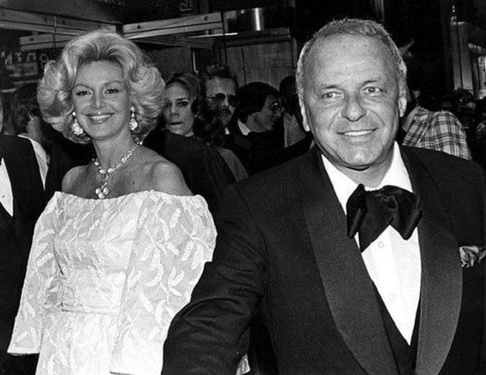 На91-м году жизни скончалась супруга певца Синатры