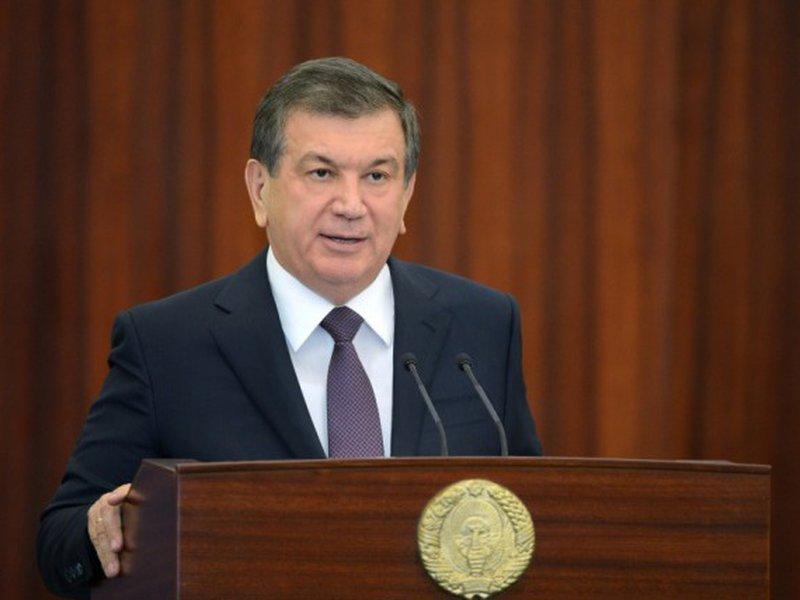 Президент Узбекистана и руководитель CENTCOM обсудили военно-техническое сотрудничество