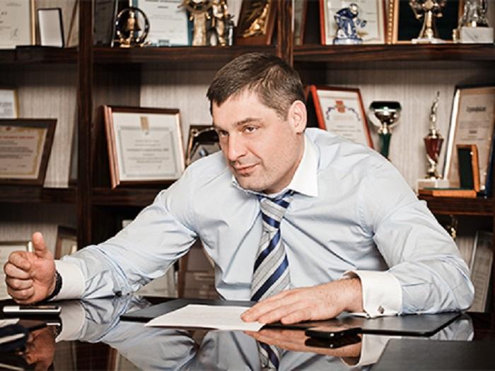 Шишханов покинул пост председателя правления «Бинбанка»