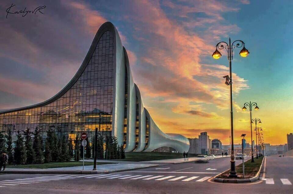 Центр Гейдара Алиева / Фото: Google