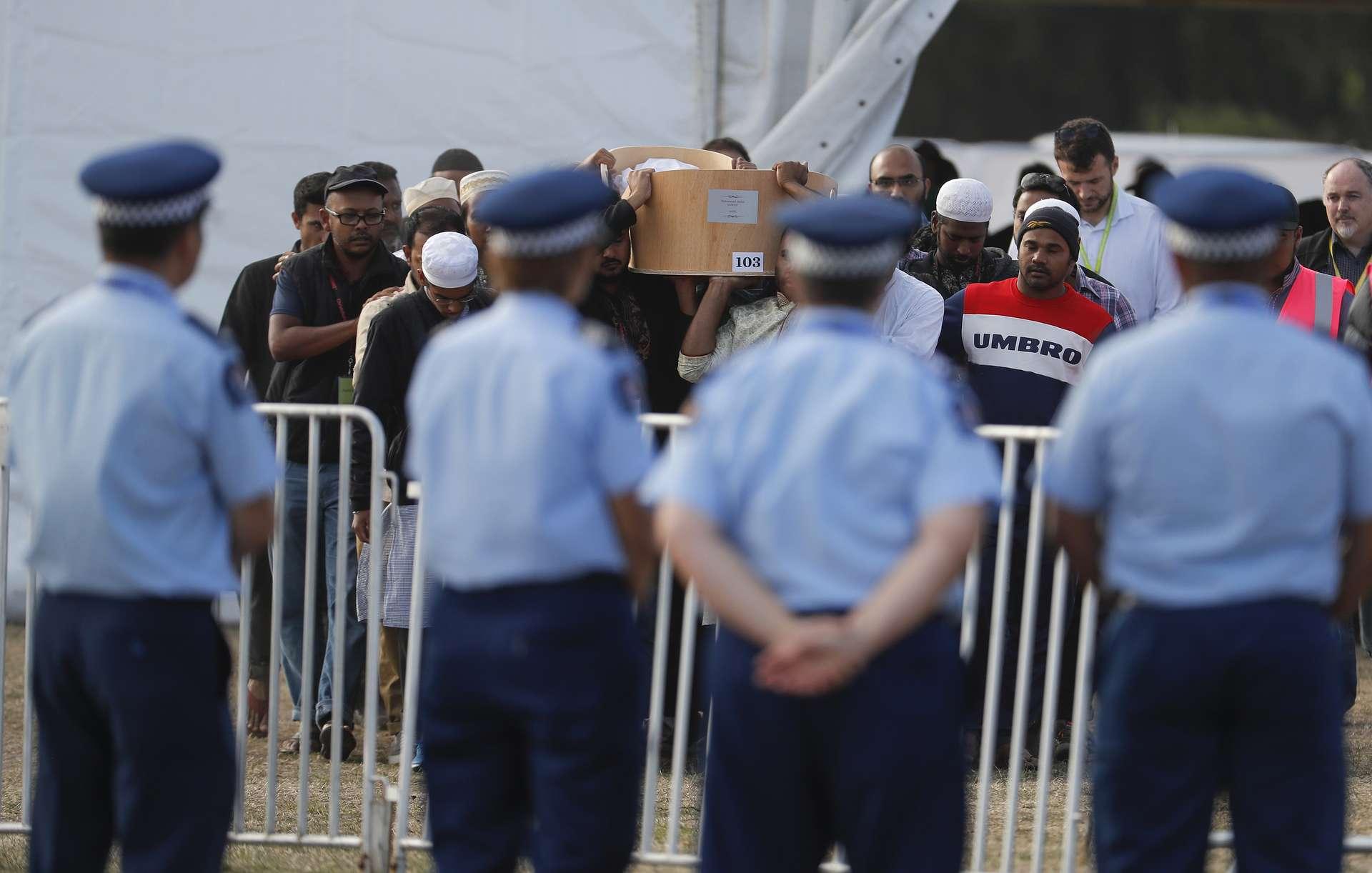 новая зеландия теракт Picture: Устроившего стрельбу в мечетях Новой Зеландии могут
