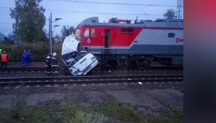 Попавший под поезд воВладимирской области автобус перевозил жителей Узбекистана