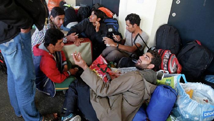 Австрийские власти будут отбирать мобильные телефоны убеженцев