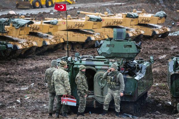 Курды атаковали турецкий танк всирийском Африне