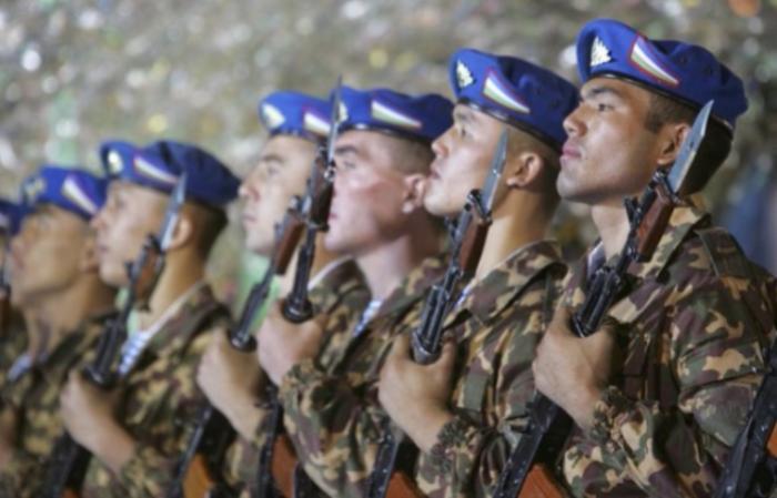 Русские военные прибыли научения вУзбекистан