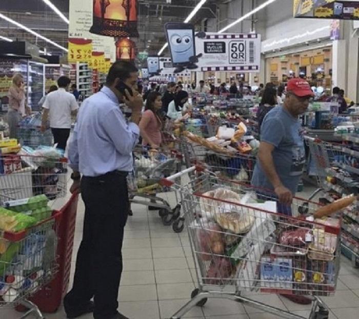 Катар ведет переговоры сТурцией иИраном опоставках продуктов иводы