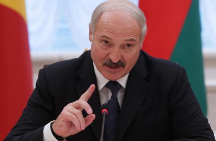 Сними просто необходимо уметь договариваться: Лукашенко дал позитивную оценку западным украинцам