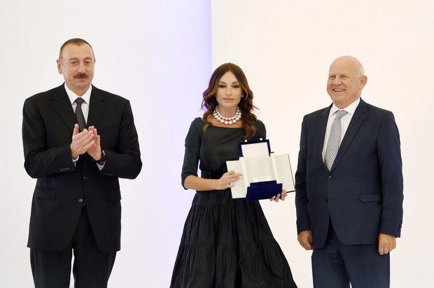 Президент Азербайджана И. Алиев: закупка военной техники уТурции приумножает мощь Азербайджана