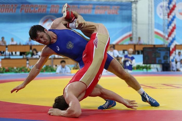 Болельщики устроили массовую драку начемпионате РФ повольной борьбе вИнгушетии