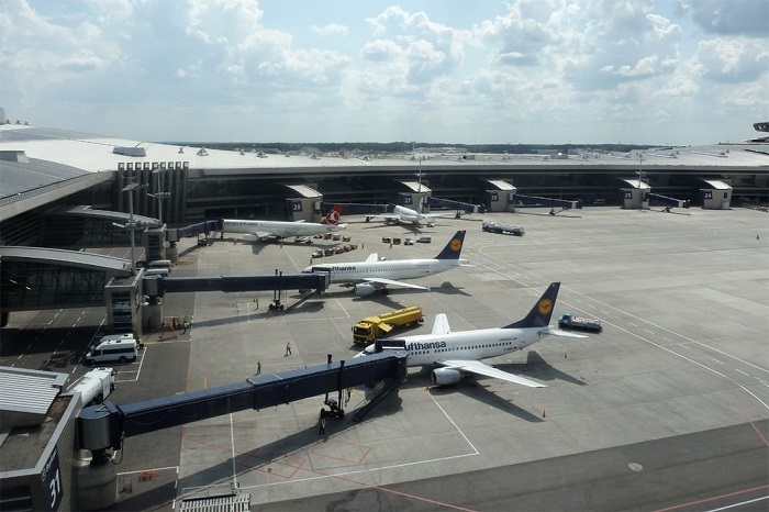 При посадке ваэропорту «Внуково» Boeing-737 задел хвостом ВПП