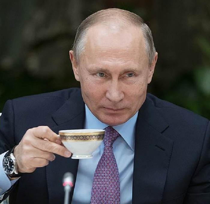 Путин списал налоговые долги граждан России
