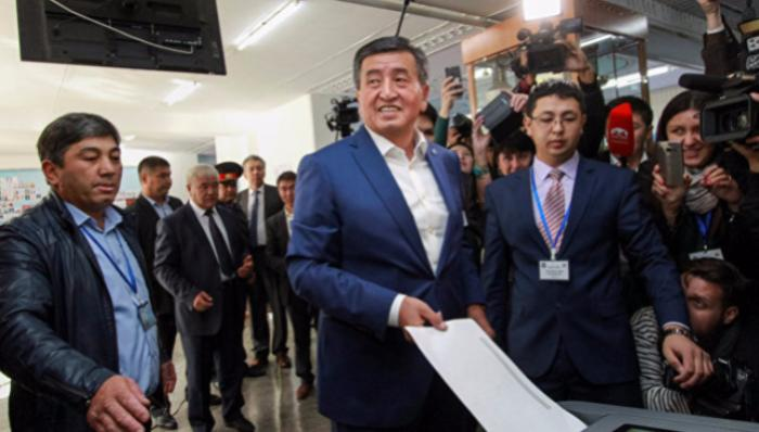 ВБишкеке состоялась инаугурация нового президента Киргизии Сооронбая Жээнбекова