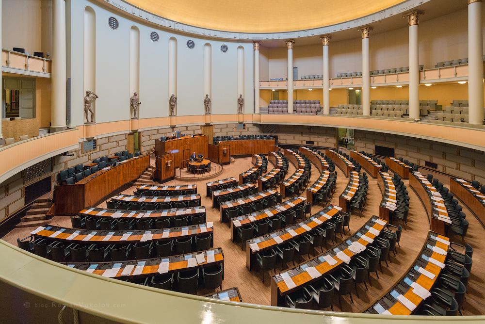 В Финляндии начались парламентские выборы