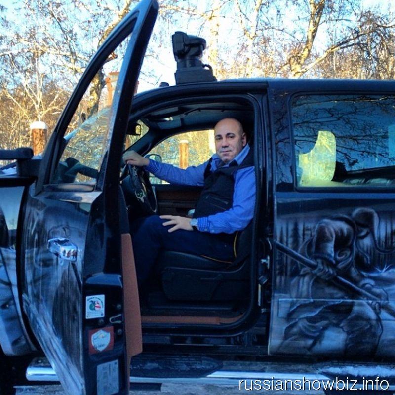 СМИ проинформировали, что продюсер Иосиф Пригожин возглавил канал про автомобили