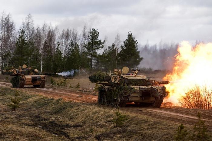 Штатская военная техника прибыла научения вГрузию